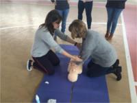 Profesionales del Hospital Alto Guadalquivir imparten un taller de resucitación cardiopulmonar a diferentes colectivos
