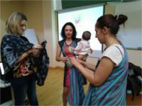 El Hospital Alto Guadalquivir acoge el taller de porteo de bebés organizado por la Asociación de Lactancia Materna