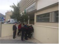 Bomberos visitan el Hospital de Alcaudete para conocer sus instalaciones y poder actuar ante posibles catástrofes