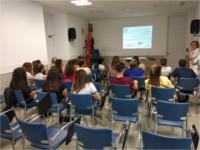 Alumnos de auxiliar de enfermería visitan el Hospital de Alcalá la Real para completar su formación