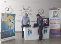 Mesa informativa sobre epilepsia en el Hospital de Alta Resolución de Alcalá la Real