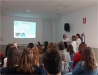 Alumnos de Auxiliar de Enfermería aprenden el proceso de esterlización en el Hospital de Alcalá la Real