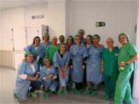 Alumnas de auxiliar de enfermería aprenden el proceso de Esterilización en el Hospital de Alcalá la Real