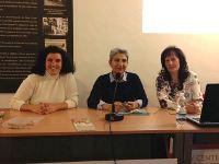 Una médico del Hospital de Montilla imparte un taller sobre alimentación y hábitos de vida saludables