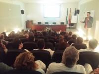 Profesionales de Urgencias y UCI del Hospital de Montilla se forman en humanización de los cuidados intensivos