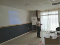 El Hospital de Montilla ofrece una charla sobre la rehabilitación en personas mayores de caídas y procesos degenerativos del movimiento