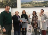 La 'Plataforma Comprometidos por Montilla' dona libros al proyecto de 'Libroterapia' de la Agencia Sanitaria Alto Guadalquivir